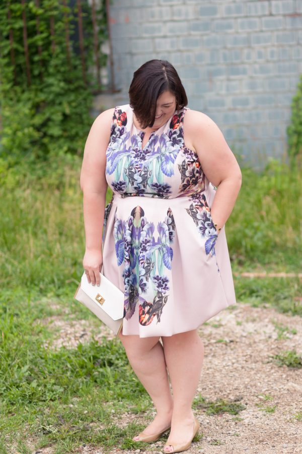 Corey Tessa dress from Gwynnie Bee on Plus Size Fashion Blogger Authentically Emmie