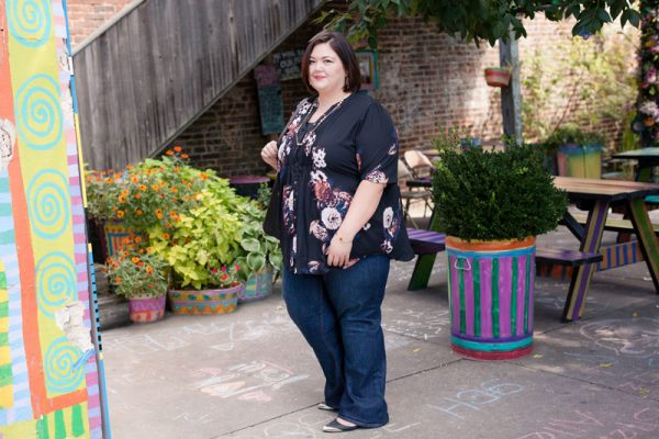 Plus size fashion blogger Authentically Emmie in a Melissa McCarthy outfit from HSN