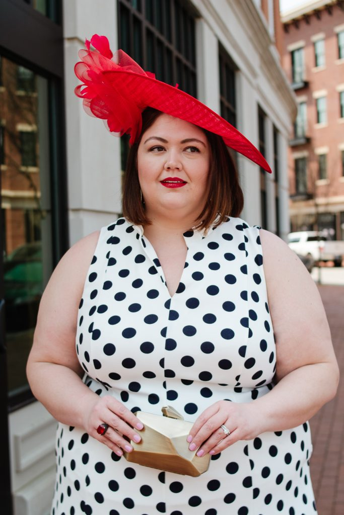 Plus size Kentucky Derby outfit idea with red hatinator