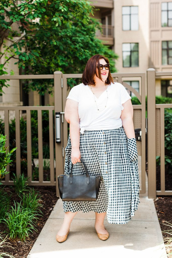 plus size summer outfit idea with gingham