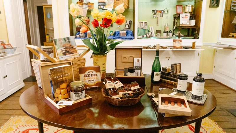 Where to buy local Kentucky themed items for gifts and guests