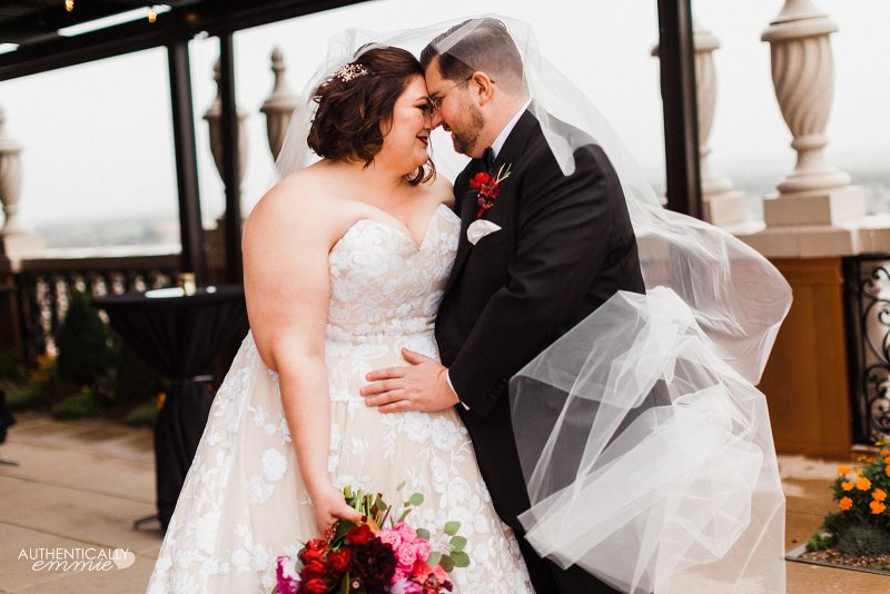 Plus size bride in a fall wedding in Kentucky