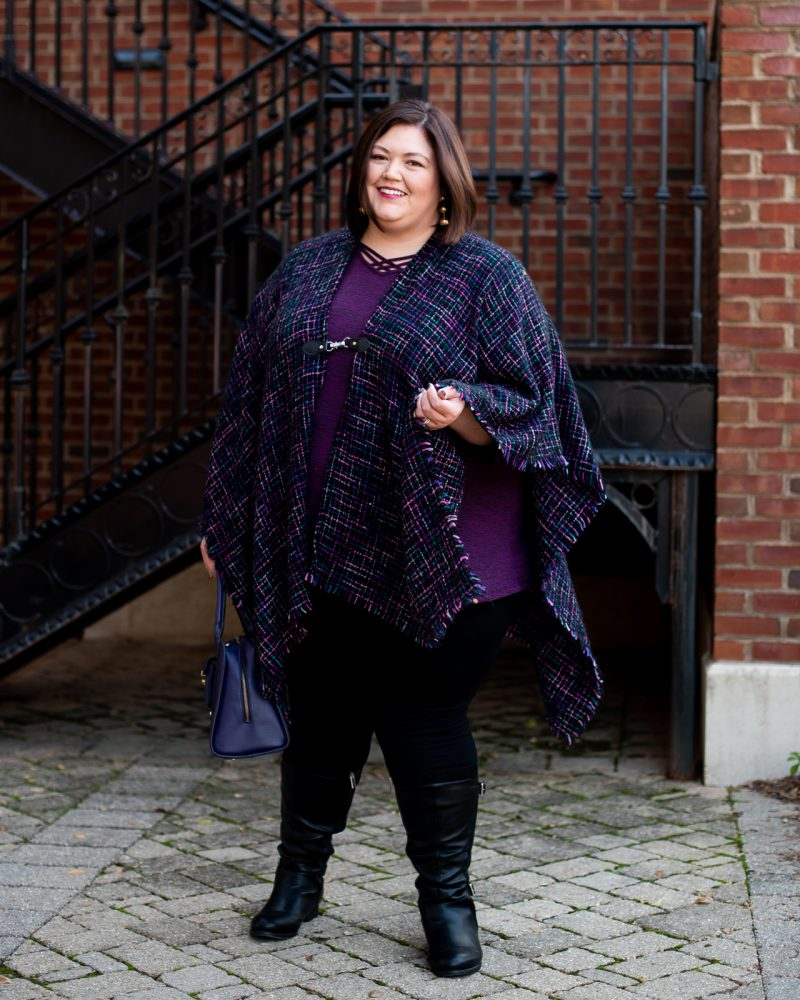 A fun and comfortable plus size casual fall outfit idea for Thanksgiving