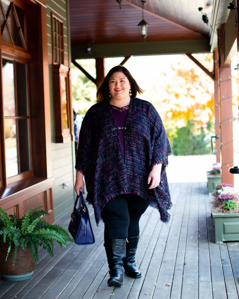Louisville influencer Authentically Emmie in a plus size fall casual outfit