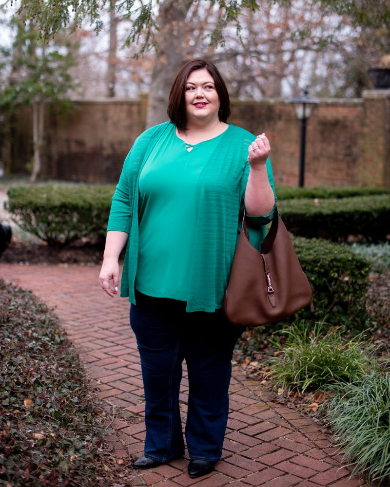 Springtime outfit idea on plus size blogger Authentically Emmie