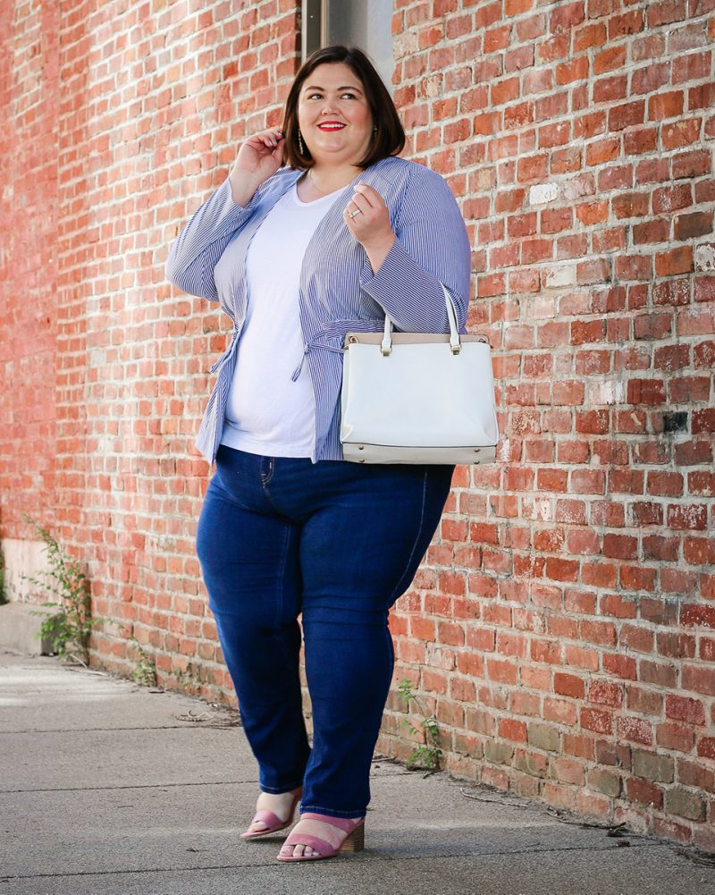 A plus size summer outfit idea featuring jeans and seersucker