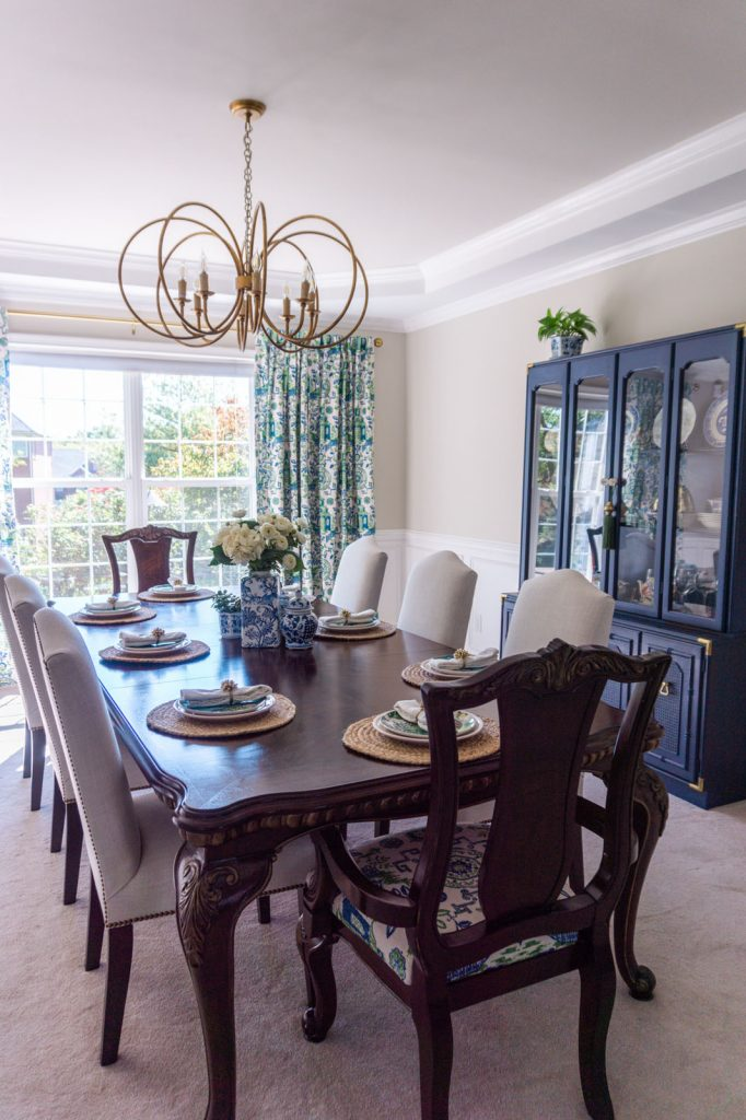 Authentically Emmie dining room design with blue and green Chinoiserie touches.