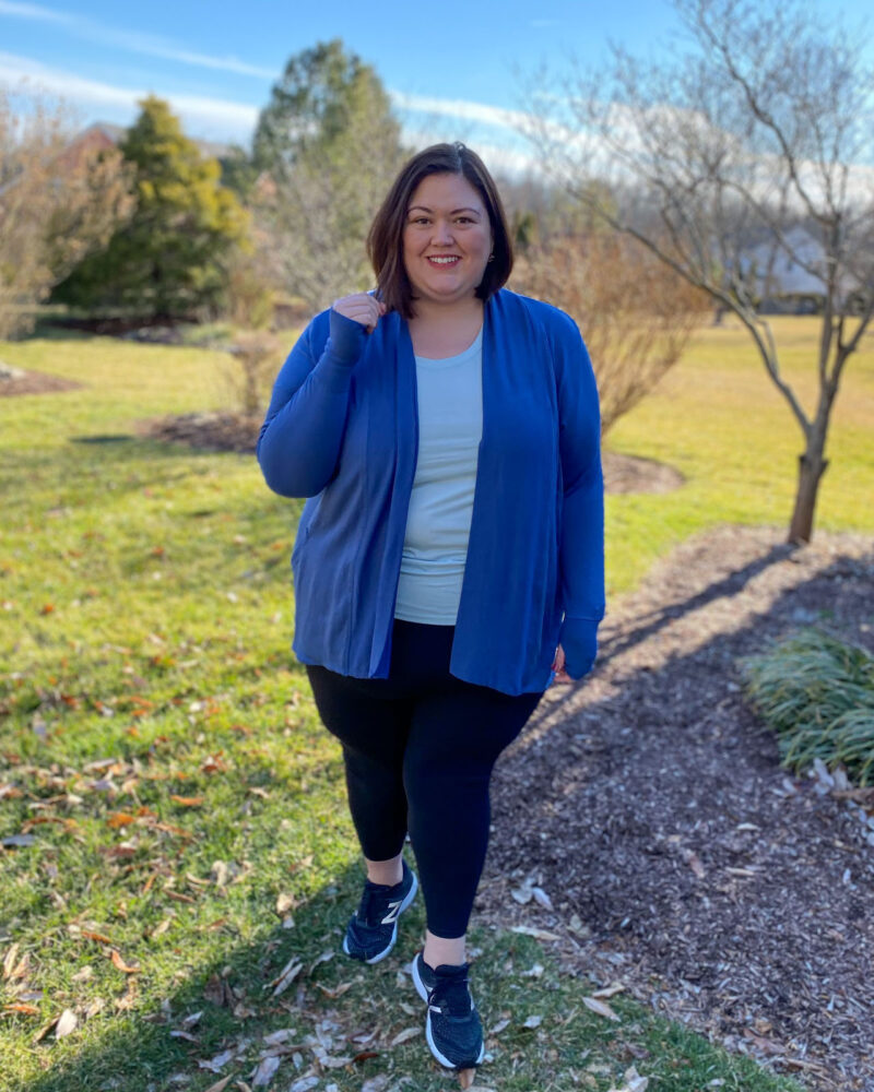 Plus size Athleta outfit in a 3X worn by Louisville influencer Emily Ho, Authentically Emmie